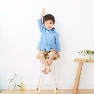 子ども部屋はいつから必要?色や照明、収納などインテリアの選び方