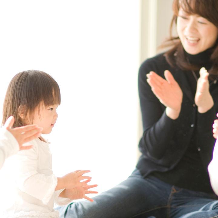 お正月は手遊び歌やゲームで幼児と楽しもう!種類や遊び方