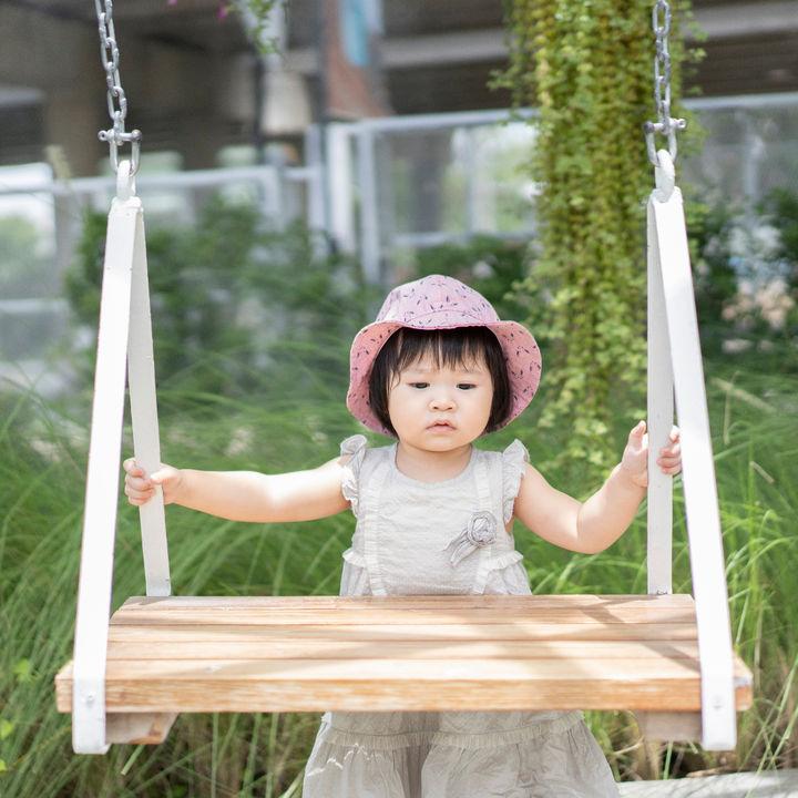 幼児はいつからブランコに乗る?公園のブランコで遊ぶときに意識すること