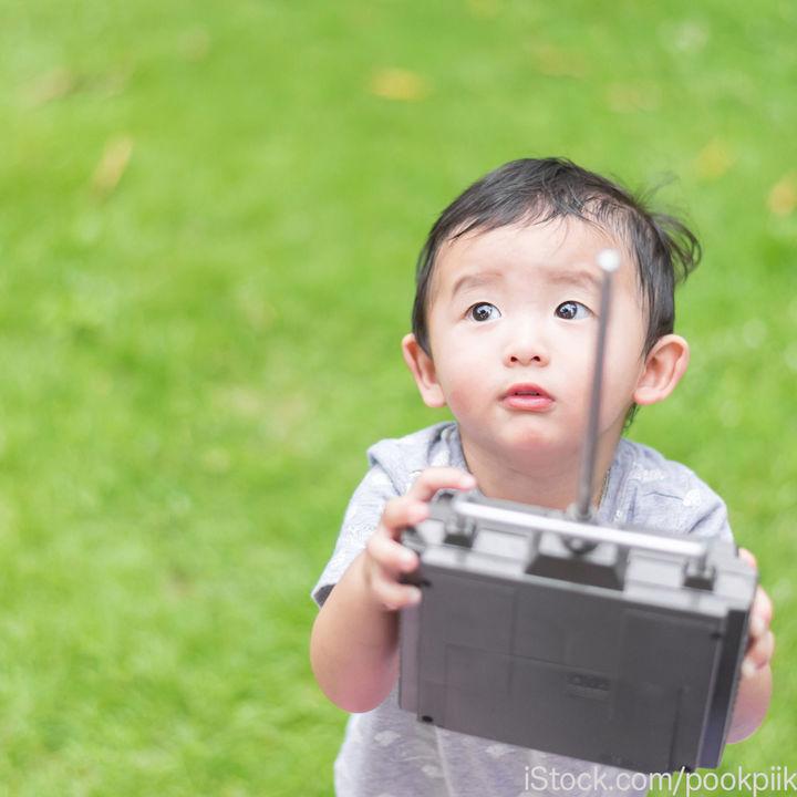 幼児がラジコンで遊べるのは何歳から?選び方や楽しみ方