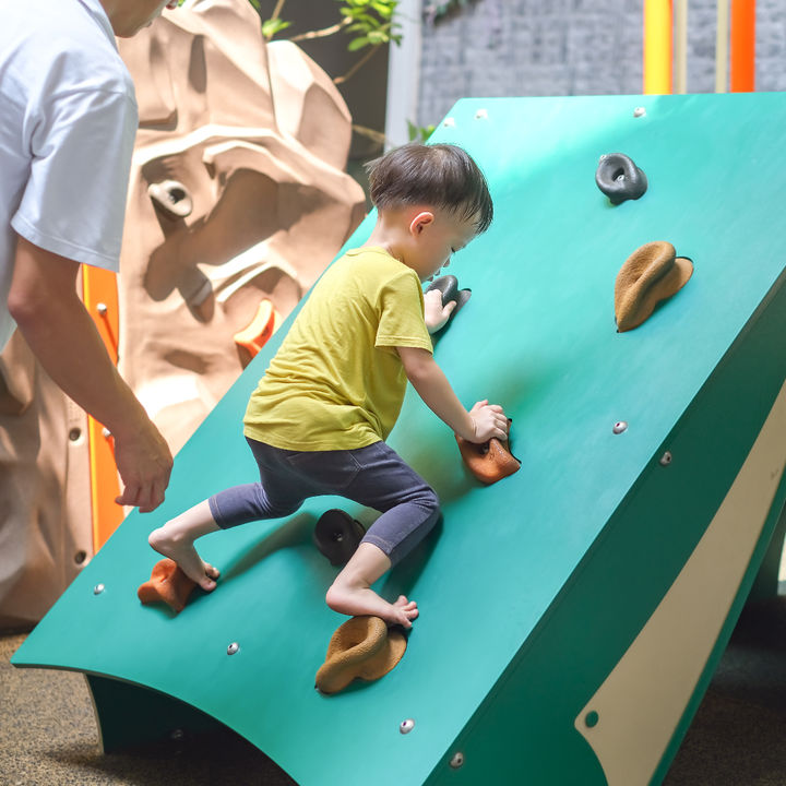 幼児とボルダリングを楽しむには。習い事にボルダリングを選んだ理由