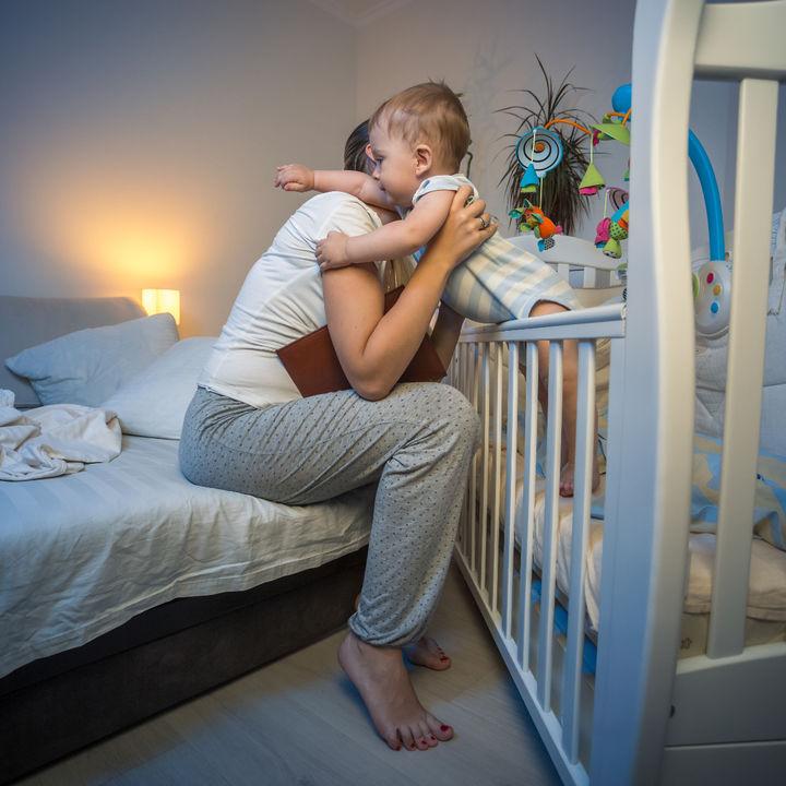 子どもの夜泣き対策。夜泣きを乗り切る対処法