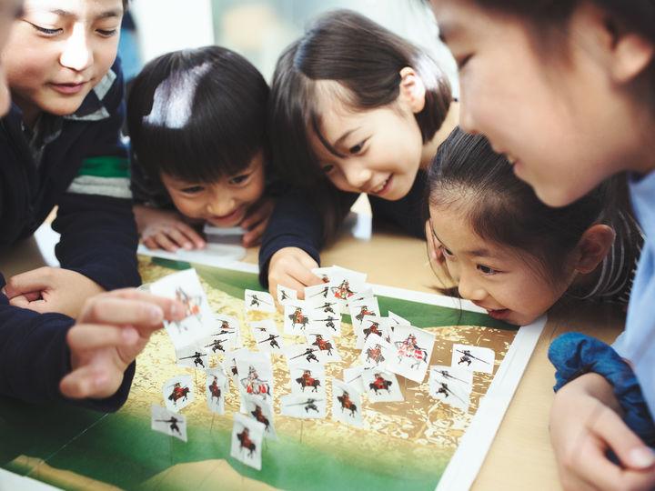 探究学舎で歴史を学ぶ子どもたち