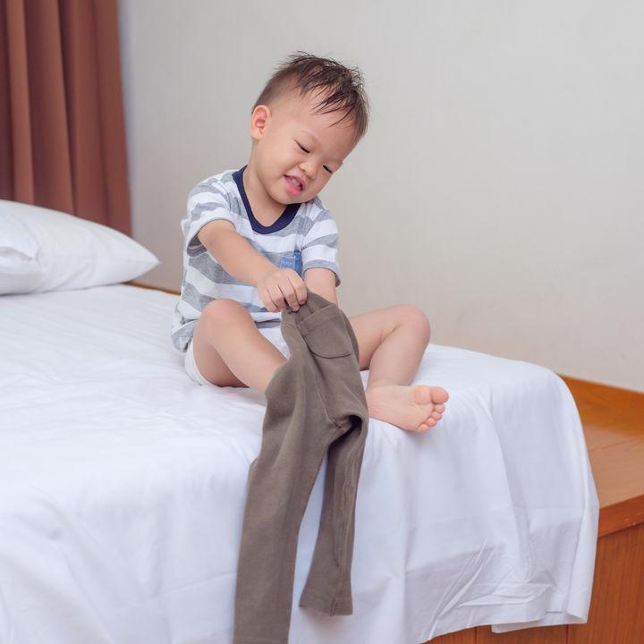 幼児のズボンの選び方。サイズの調整方法やストックの数