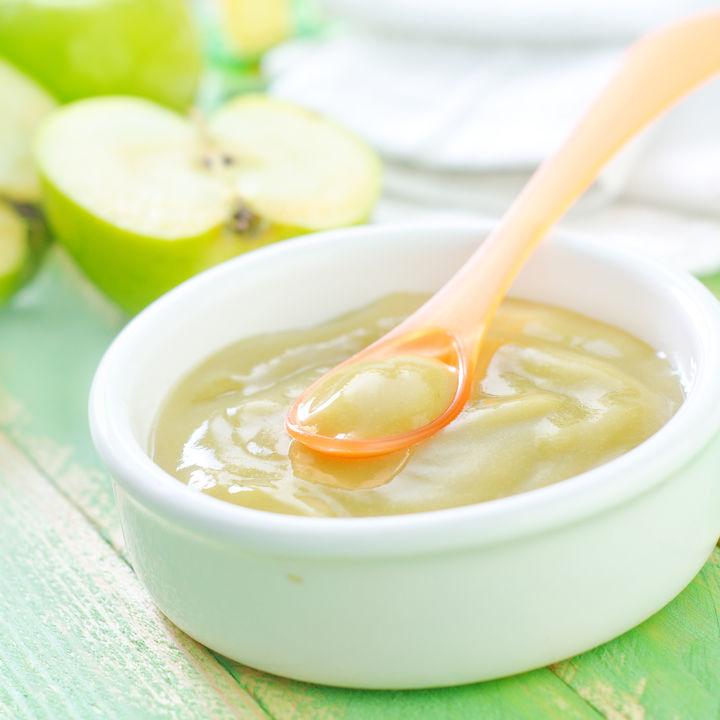 離乳食ごっくん期のりんごのかんたんレシピ。進め方や保存方法