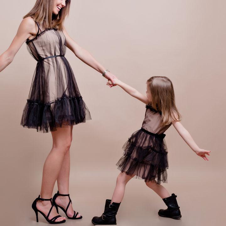 親子でペアドレスを着たいとき。ドレスを着るシーンや選び方