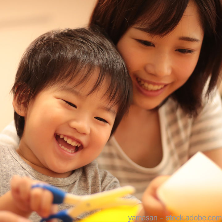 3歳の子どもと遊びながら工作を楽しもう!簡単に作れる工作のアイディア