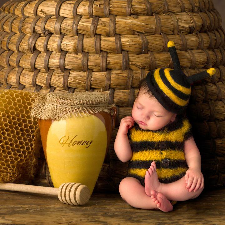 赤ちゃんと8月らしい寝相アートを作ろう。夏ならではのテーマなど