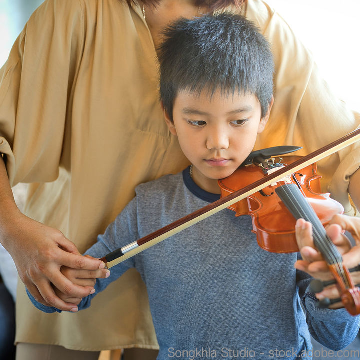 幼児向けのバイオリン教室。教え方や練習時間、レッスン料などの値段