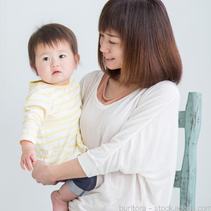 子どもを抱っこしながら座る椅子。座り心地のよいものや工夫など
